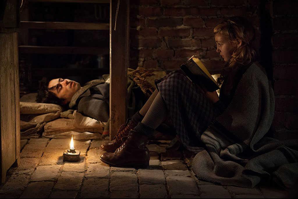 A Menina que Roubava Livros (2013)