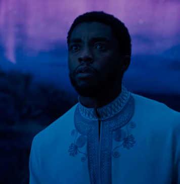 T'Challa (Chadwick Boseman) Djalia Pantera Negra (2018)