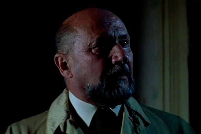 Dr. Loomis (Donald Pleasence) em Halloween (1978)