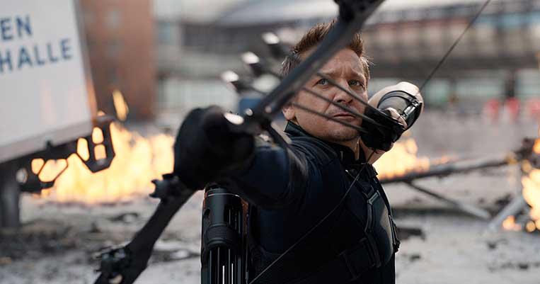 Jeremy Renner em Capitão América: Guerra Civil (2016)