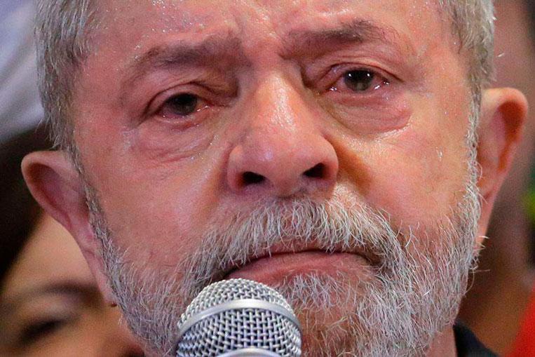 Lula triste