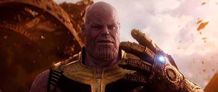 Thanos com a Manopla do Infinito Vingadores: Guerra Infinita (2018)