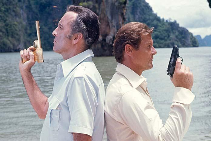 007 – Contra o homem com a pistola de ouro (1974)