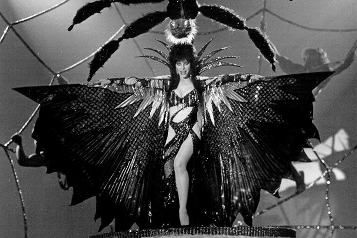 Elvira, a Rainha das Trevas (1988)