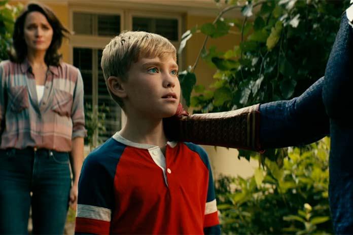 Becca Bruto e seu filho estão vivos na série The Boys