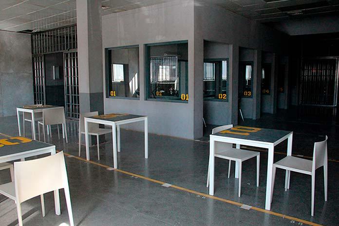 Sala de visitas Cruz del Sur Vis a Vis