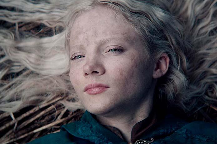 Freya Allan é Ciri