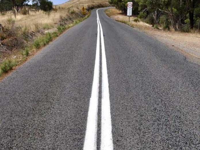 Faixa que divide o asfalto - White Lines