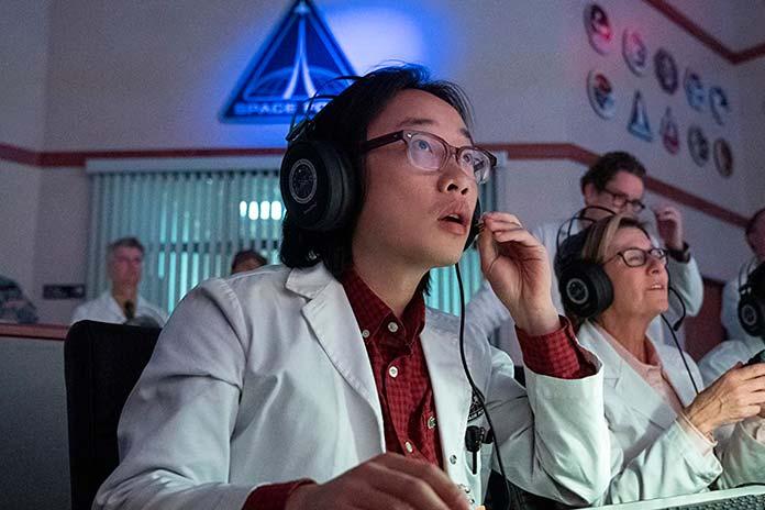 Jimmy O. Yang é Dr. Chan Kaifang