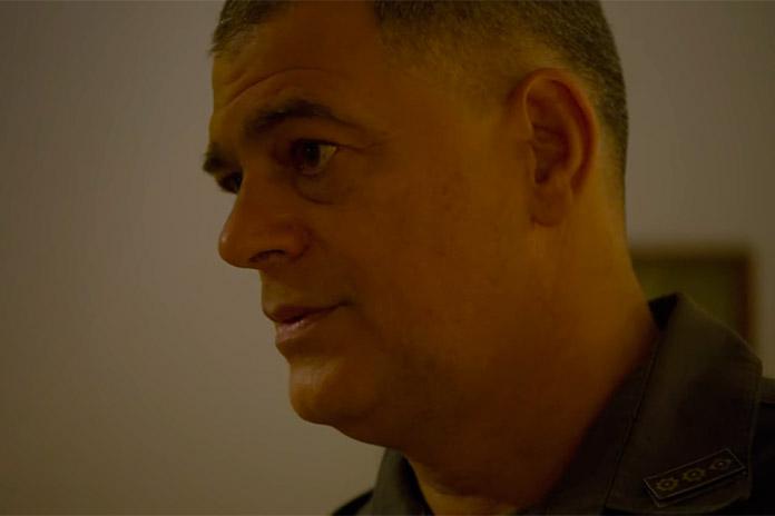 Eduardo Moscovis é Cláudio